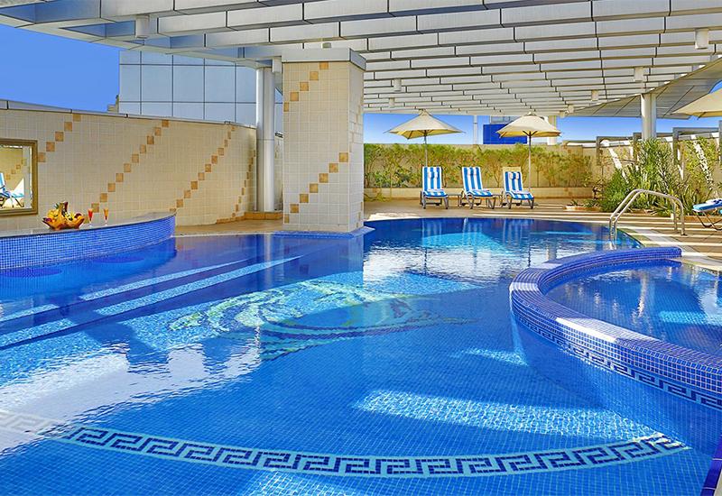 City-Seasons-Dubai-Deira-Burjumab-Mall-sweim